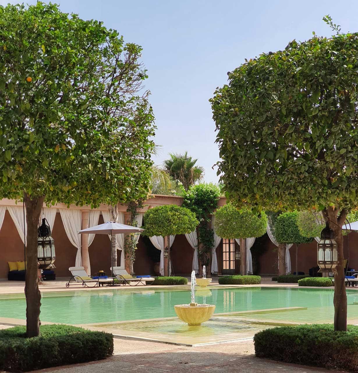 déjeuner bord de piscine marrakech